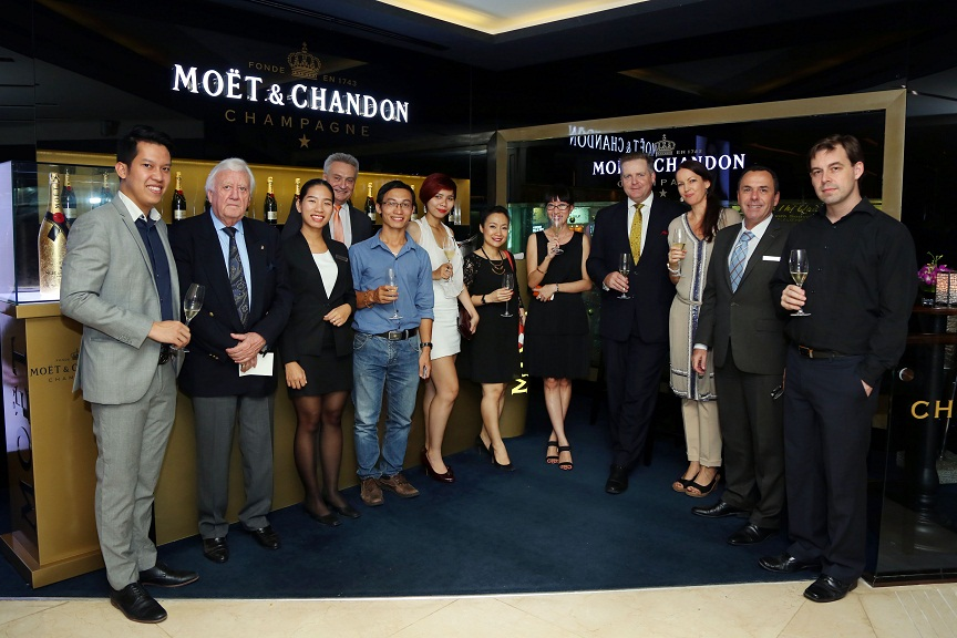 """Buổi gặp công bố chương trình đấu giá phiên bản champagne giới hạn """"Moët & Chandon Impérial Golden Leaf""""."""