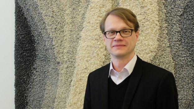 Mika Grundstrom là cựu giám đốc cấp cao mảng R&D của Nokia tại Tampere.