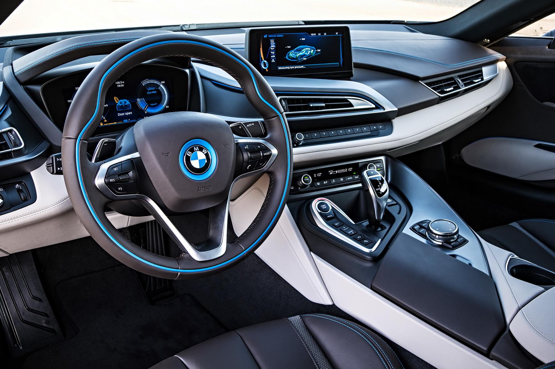 Nội thất sang trọng và thời trang của BMW i8