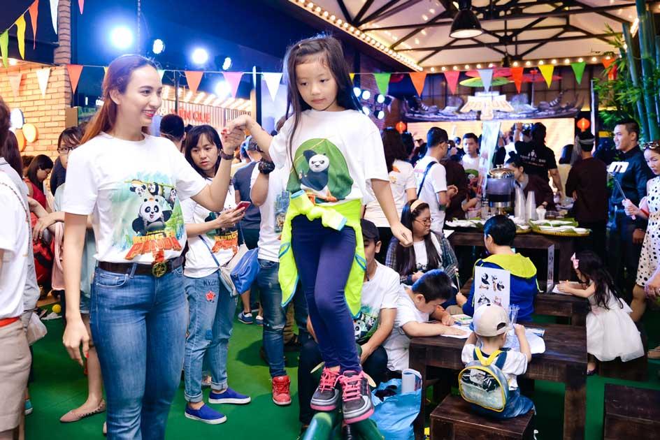 Hoa hậu Ngọc Diễm và con gái