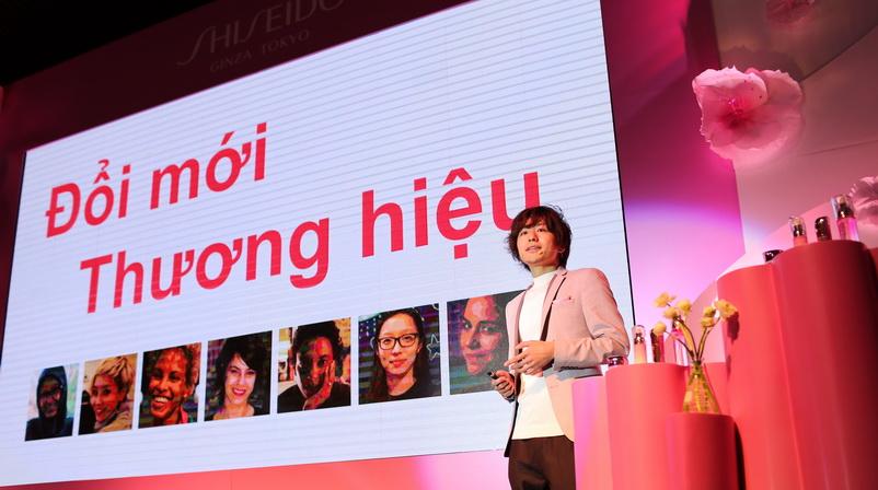 Ông Satoshi Yamazaki chia sẻ quá trình nghiên cứu và phát triển White Lucent công nghệ dưỡng trắng kép