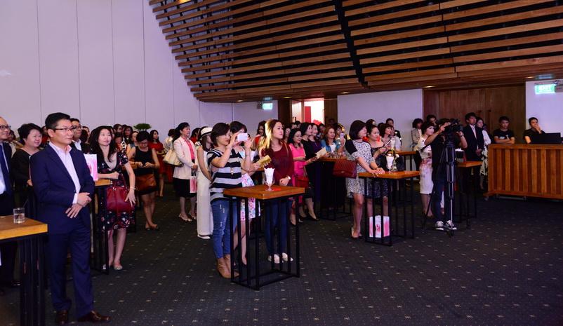"""Gần 100 khách mời báo chí và đối tác của Shiseido đã tham dự buổi họp báo """"Đổi mới cho cái Đẹp đương đại"""""""
