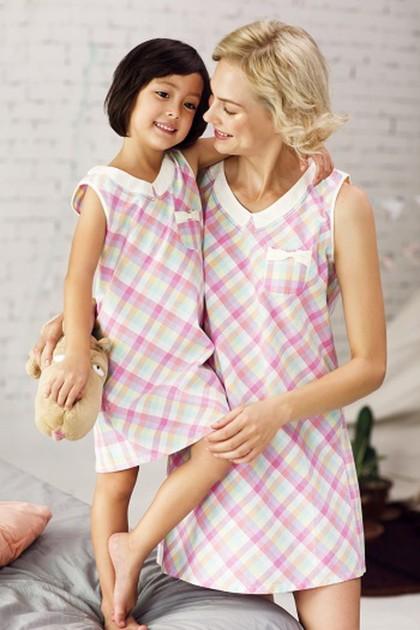 Những thiết kế đồ đôi cho Mẹ và Con Gái…