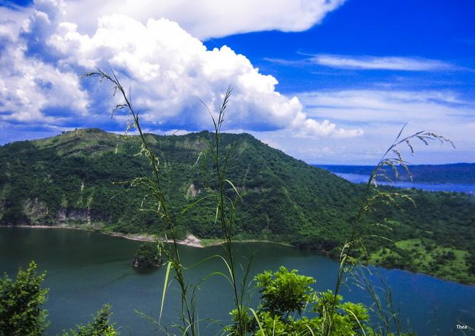 Cao nguyên Tagaytay với hồ núi lửa Taal nổi tiếng