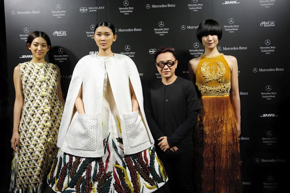 NTK Nguyễn Công thành công trong việc giới thiệu BST lấy cảm hứng từ lúa cùng chất liệu Lãnh Mỹ A huyền thoại tại Tokyo Fashion Week.
