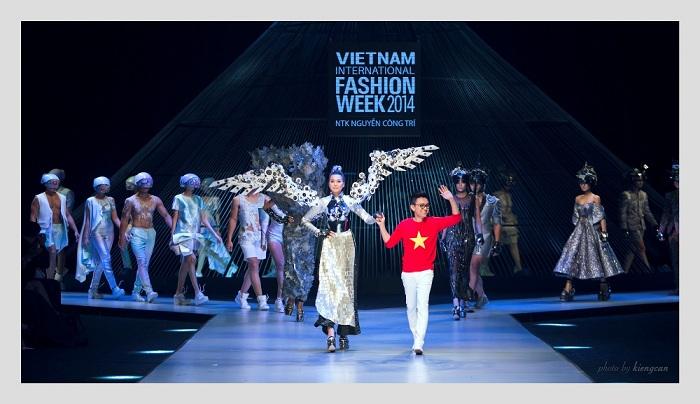 NTK Nguyễn Công Trí từng là NTK mở màn cho VIFW 2014.