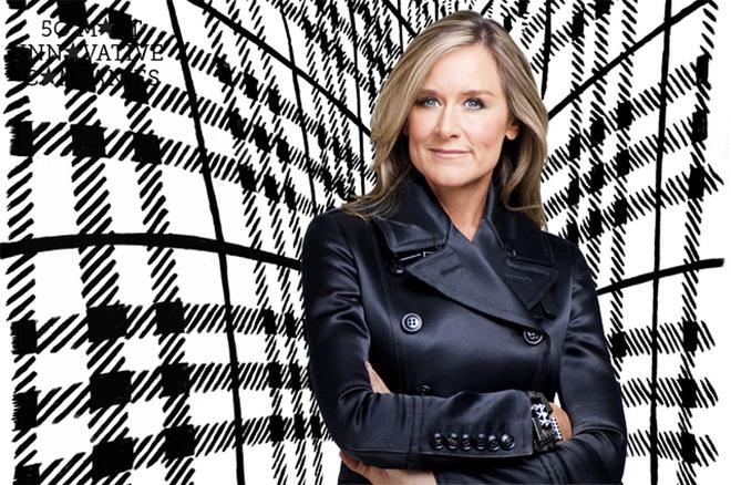"""Có nhiều """"chức danh"""" gắn với Angela Ahrendts, Phó chủ tịch Apple. Bà nổi tiếng khi là người phụ nữ được trả lương cao nhất nước Mỹ (82,6 triệu USD/năm), người phụ nữ đầu tiên nằm trong ban lãnh đạo cấp cao của Apple và có tên trong danh sách những phụ nữ quyền lực nhất hành tinh. Trước khi đến Apple, bà giữ chức CEO của hãng thời trang Burberry."""