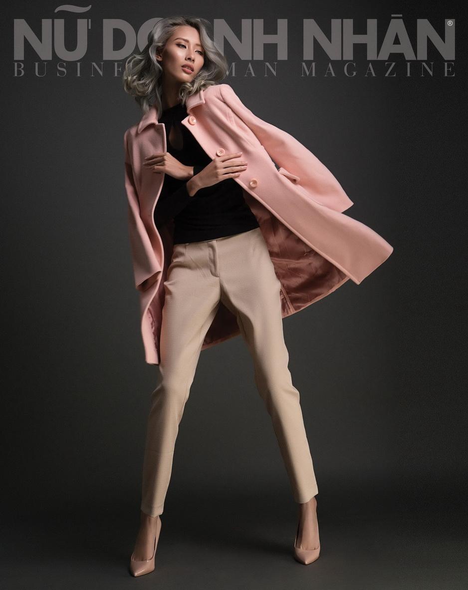 áo khoác Max&co; áo Miss selfridge; quần Dorothy Perkins; giày Aldo.