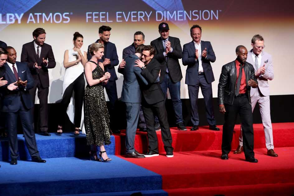 """Dàn sao """"khủng"""" hội ngộ tại buổi công chiếu phim ở Los Angeles"""