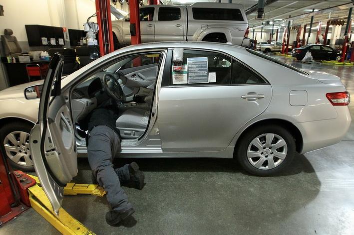 Hầu hết các dòng xe mới xuất xưởng đều được trang bị và kiểm tra về hệ thống chống tăng tốc ngoài kiểm soát