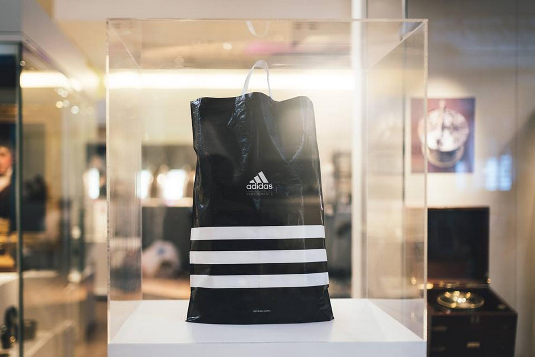 Adidas mong muốn túi nhựa sẽ trở thành quá khứ