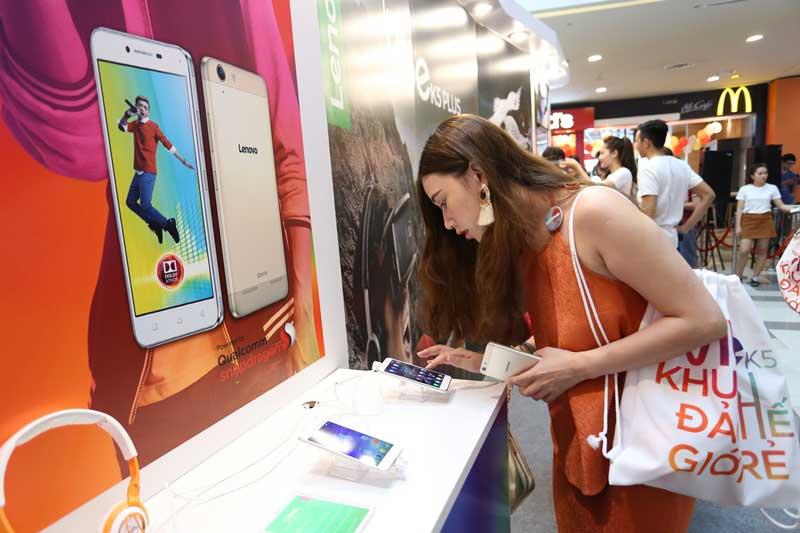 Fashionista Đồng Thủy Tiên tại sự kiện