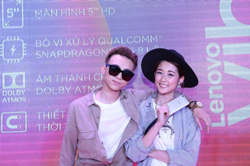 Soobin Hoàng Sơn và Julia Đoàn hào hứng tham gia sự kiện