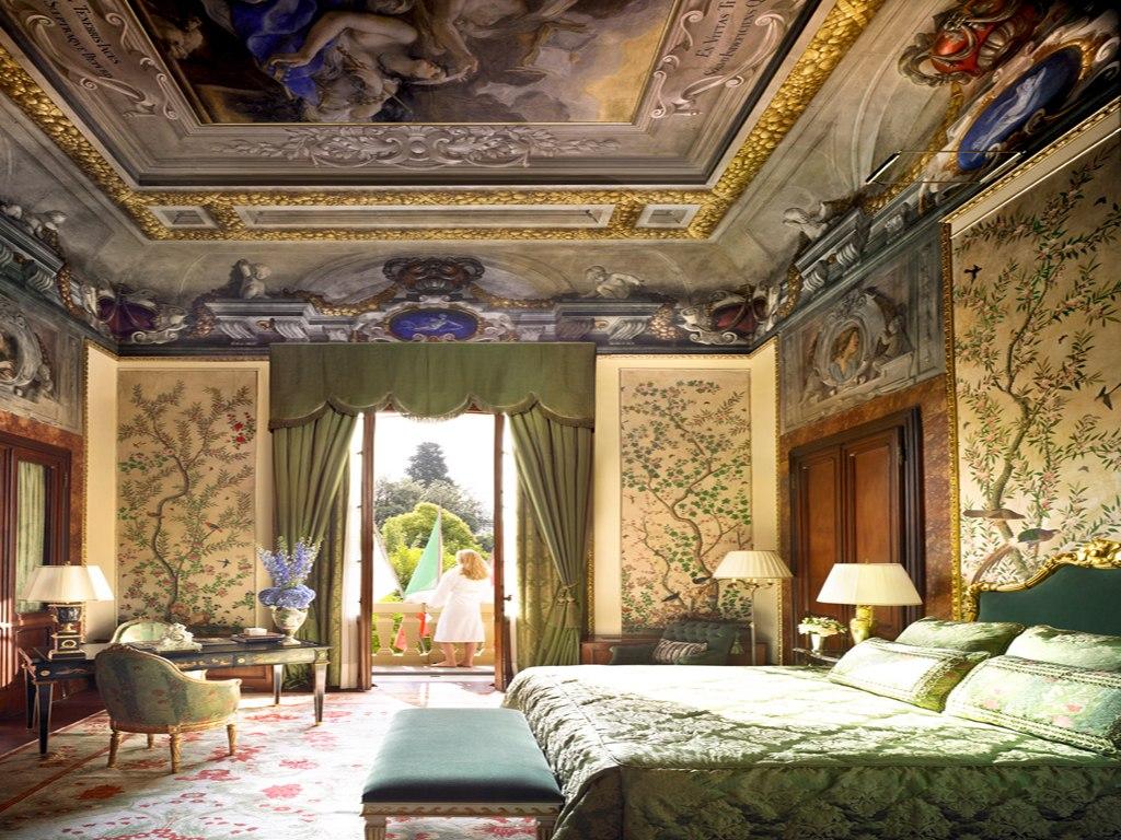 Nội thất của một phòng khách sạn Four Season ở Florence, Ý