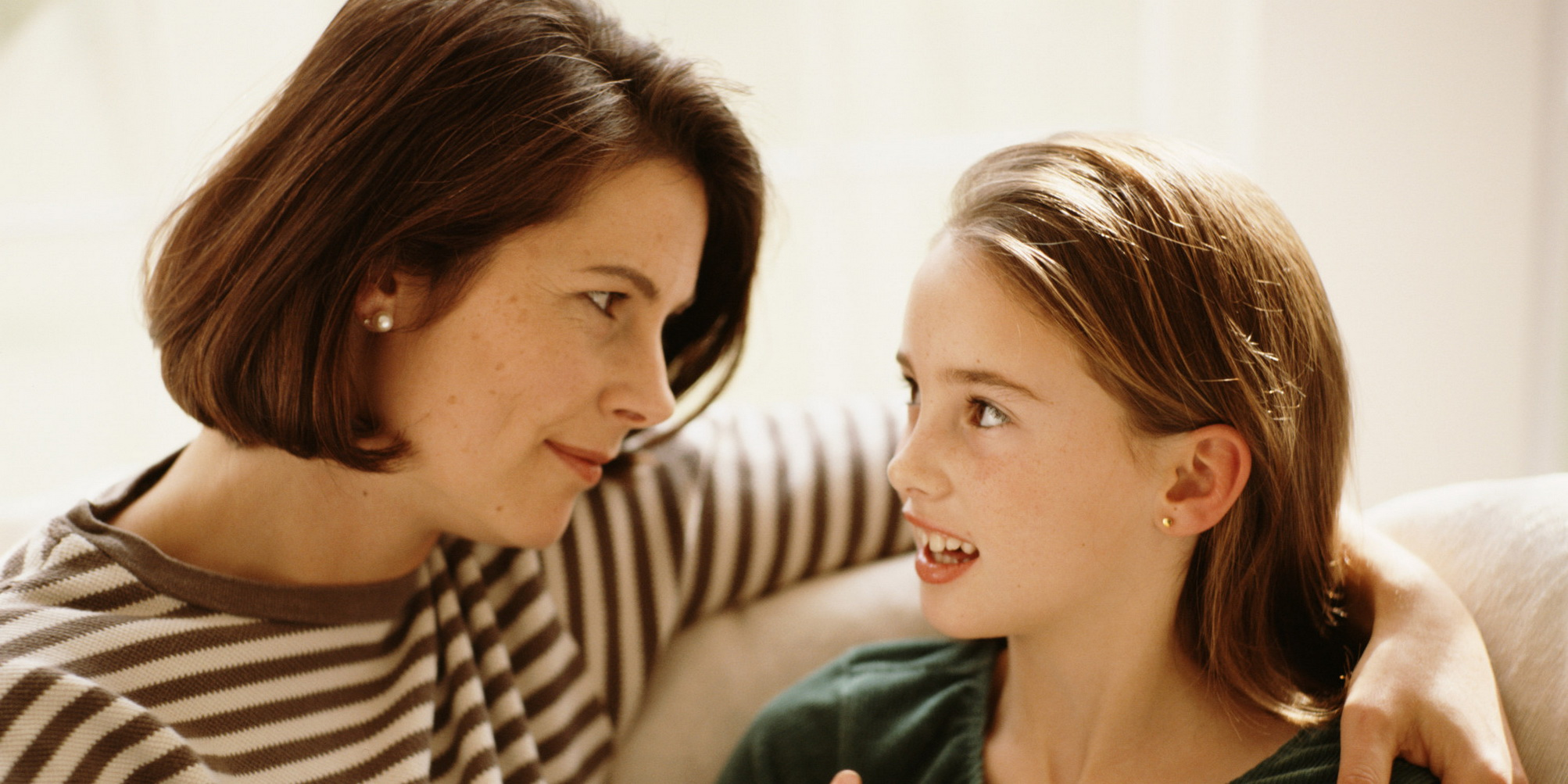 daughter-mom-talking-2_resize
