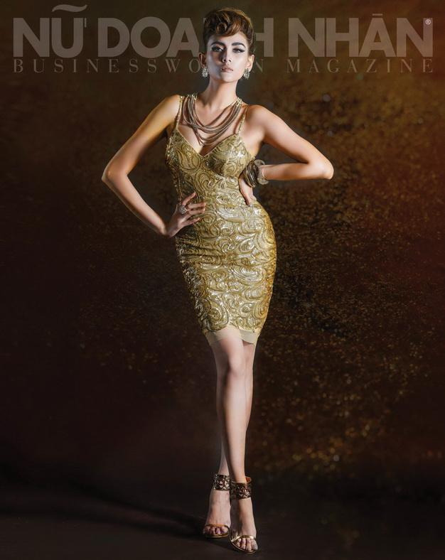 Đầm Lê Thanh Hòa - Vòng cổ Accessorize - Vòng tay BCBG - Bông tai Forever21 - Giầy BCBG