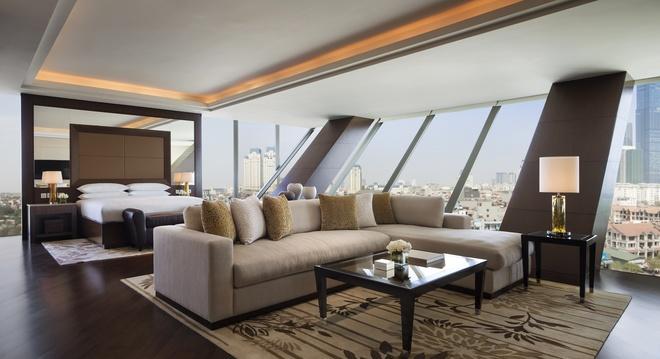 1-Presidential-Suite-Bedroom-1463709680_660x0