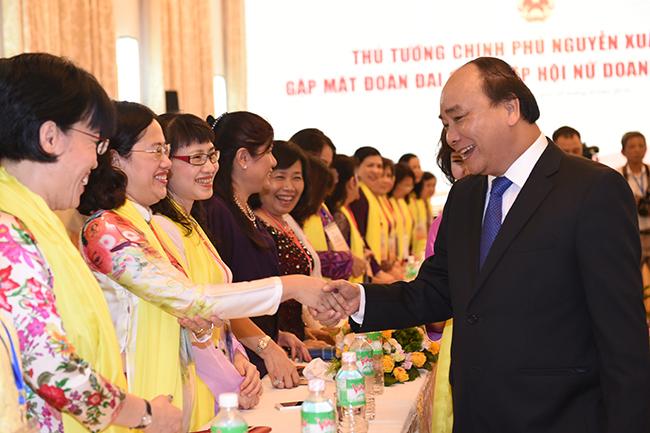 Thủ tướng gặp mặt đoàn đại biểu Hiệp hội Nữ doanh nhân Việt Nam. Ảnh: Quang Hiếu.
