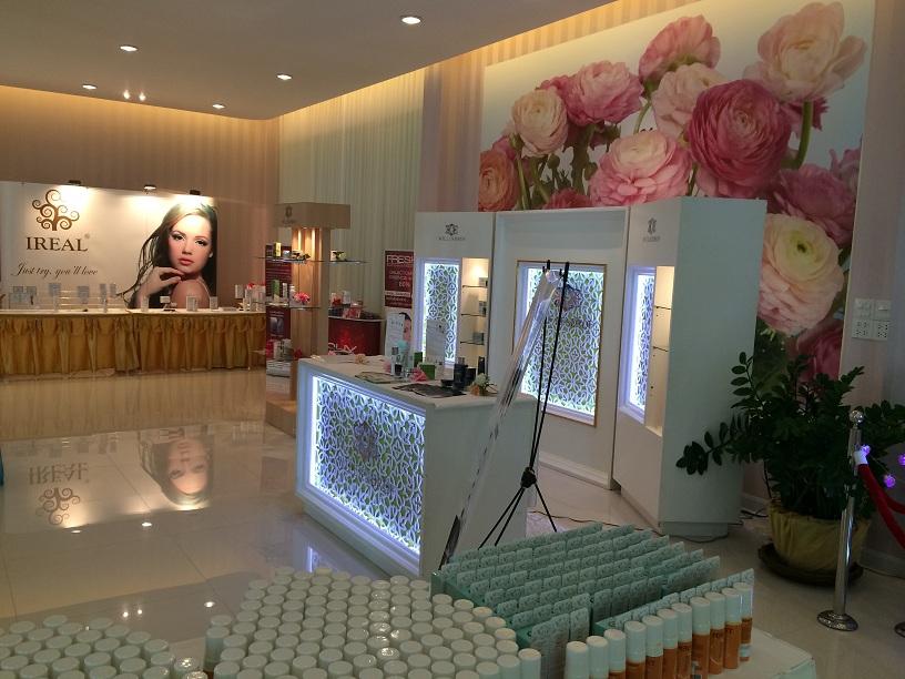 Ireal Plus là một trong những nhà máy sản xuất nhiều thương hiệu mỹ phẩm tại Thái Lan. Ảnh: Minh Nguyễn.