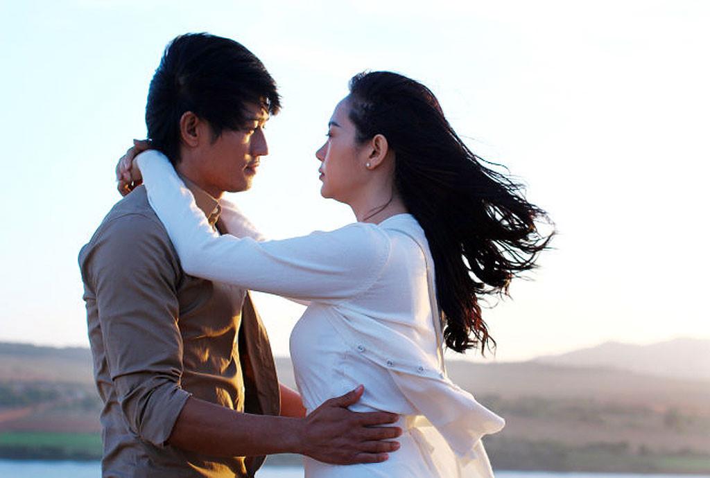 """Quý Bình và Minh Hằng trong """"Bao giờ có yêu nhau""""."""