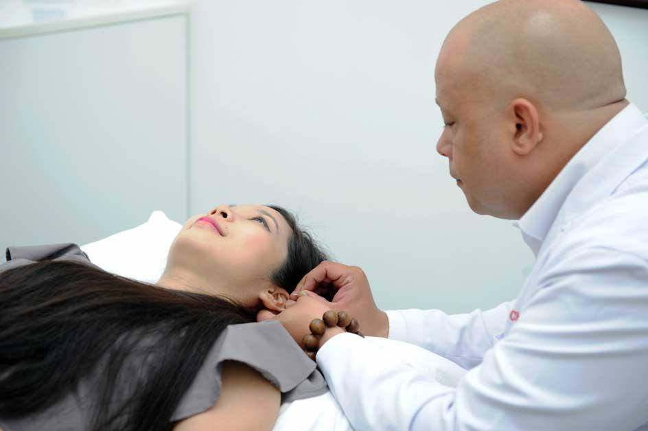 Chi nhánh này sẽ có cả dịch vụ châm cứu của Y học cổ truyền Trung Hoa được chữa trị bởi bác sỹ nước ngoài với chứng chỉ hành nghề được Bộ Y Tế cấp.