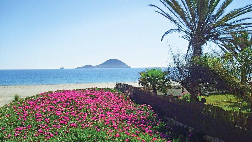 Bãi biển thơ mộng ở Tây Ban Nha