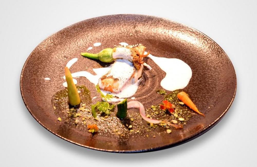 Cá Chấm áp chảo rau củ mùa xuân, sốt cá với phô mai parmesan.