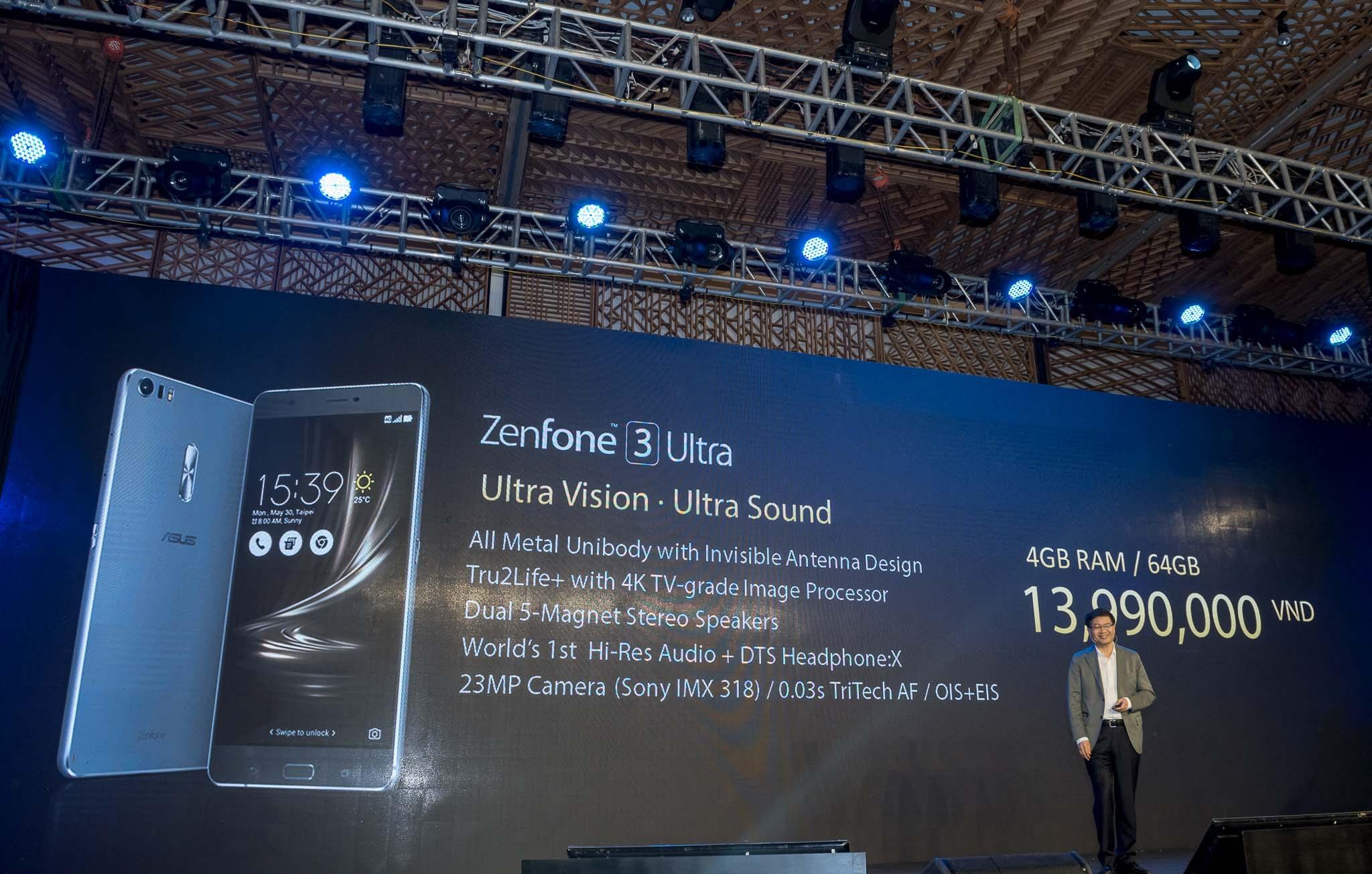 Giá bán và cấu hình của Zenfone 3 Deluxe.