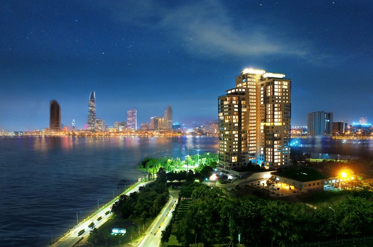 Đảo Kim Cương nhìn vào ban đêm.