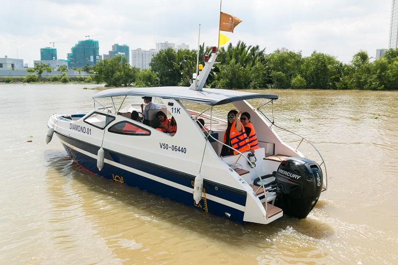 Water Taxi dành riêng cho cư dân của Đảo Kim Cương.