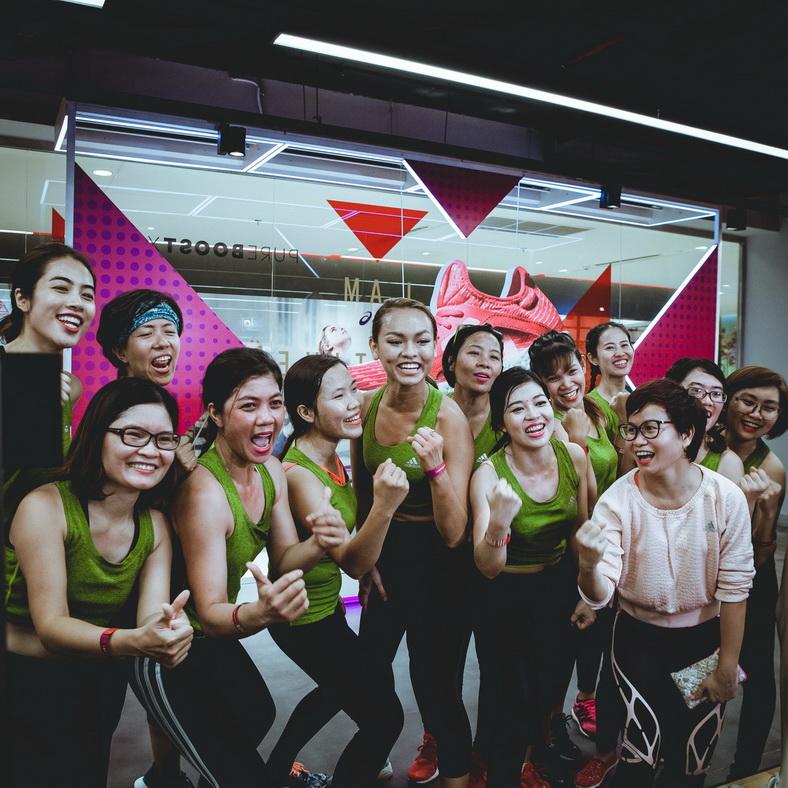 Mai Ngô và các thành viên trong đội quyết tâm giành chiến thắng