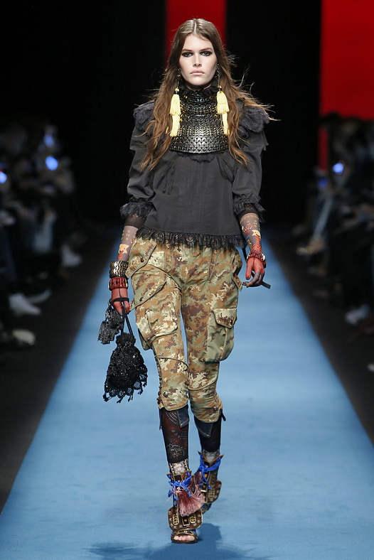 Dsquared2 Milan RTW Fall Winter 2016 February 2016