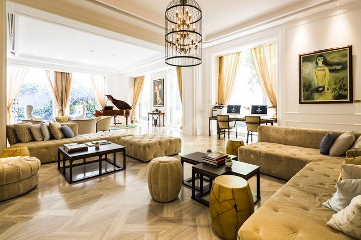 Hotel des Arts Saigon bo nhiem tong quan ly khach san 2
