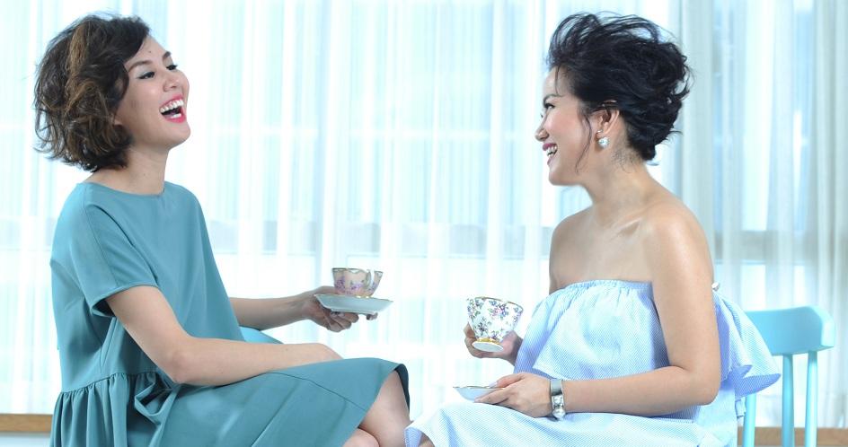 Chị Thu Giao (bìa phải), người phụ nữ đã mang đến cho Trà chiều với Giao những câu chuyện, những chia sẻ và bí quyết để phụ nữ hạnh phúc.