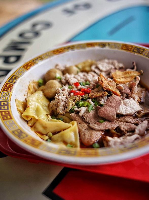 Một món ăn tại quán Hill Street Tai Hwa Pork Noodle