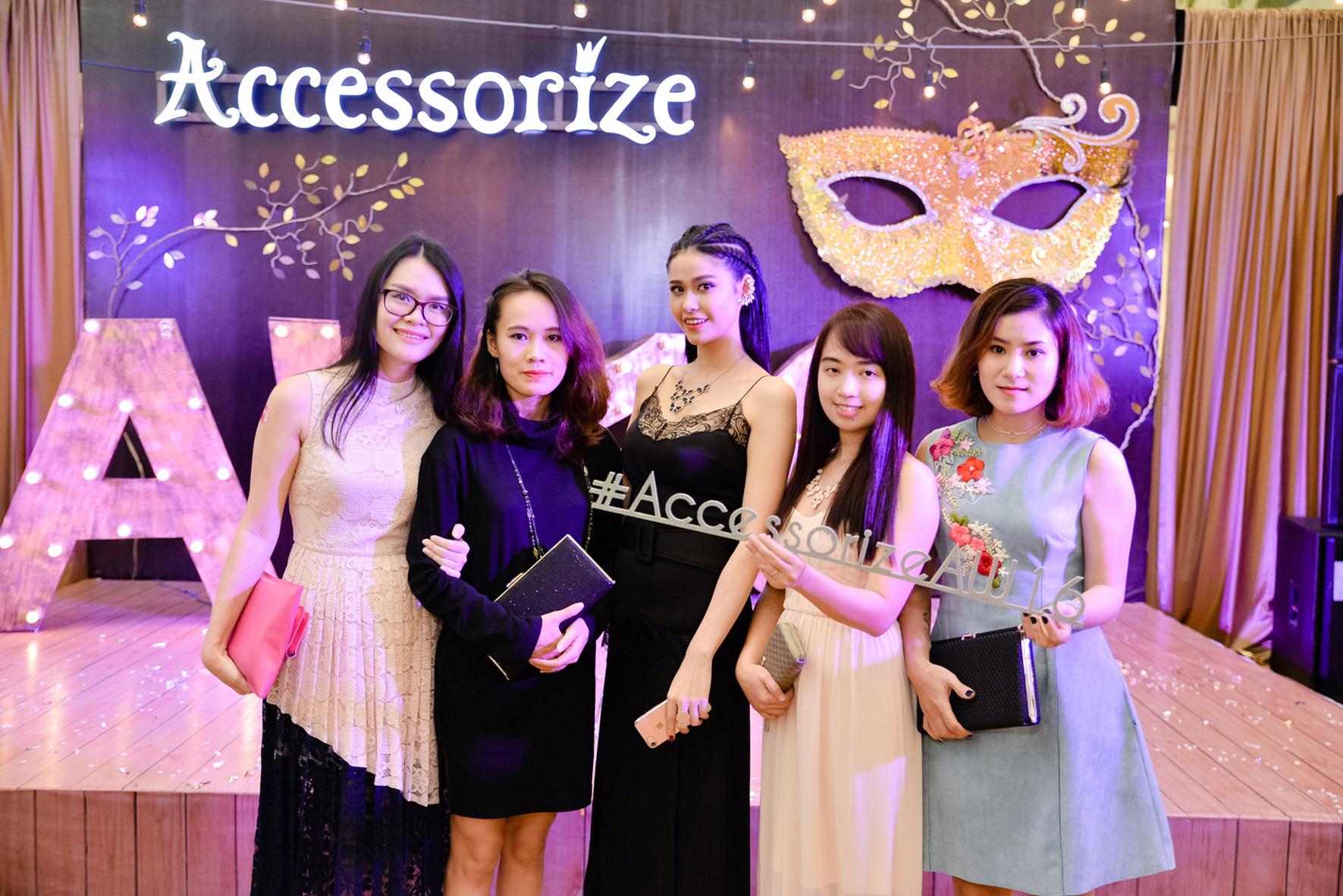 Accessorize ra mat BST Thu Đong 20162