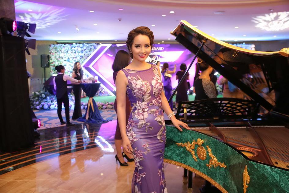 NDN_Hong Nhung Le Quyen lan dau tro thanh Dai su thuong hieu_6