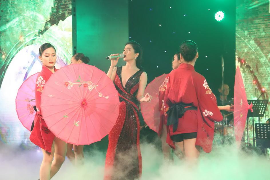 NDN_Hong Nhung Le Quyen lan dau tro thanh Dai su thuong hieu_9