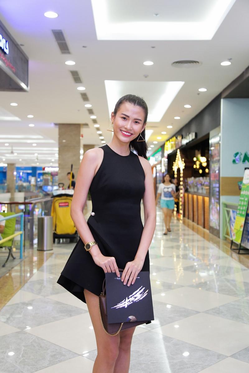 NDN_SUT-ra-rap_Nguoi mau Cao Thien Trang