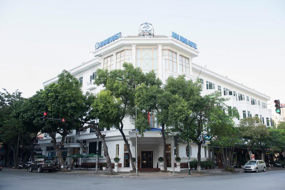 Khách sạn Hòa Bình khoác lên mình diện mạo mới.