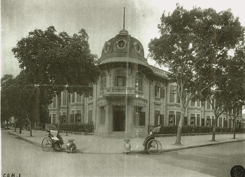 Khách sạn Hòa Bình những ngày đầu tiên.