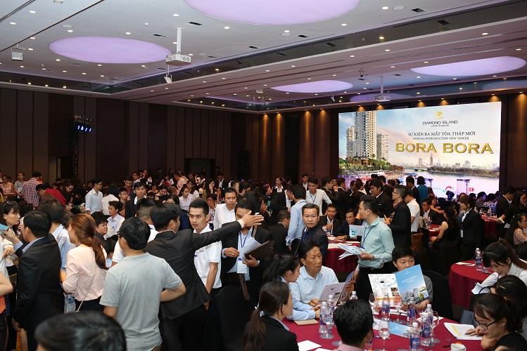 Hơn 500 khách hàng tham gia tạo nên không khí vô cùng sôi động tại lễ ra mắt chính thức tòa tháp Bora Bora thuộc dự án Diamond Island.