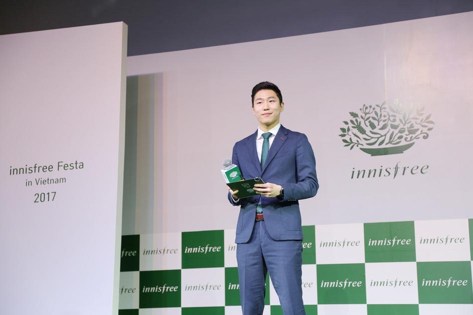 Ông Min Dong Wan có đôi lời chia sẻ đầu chương trình