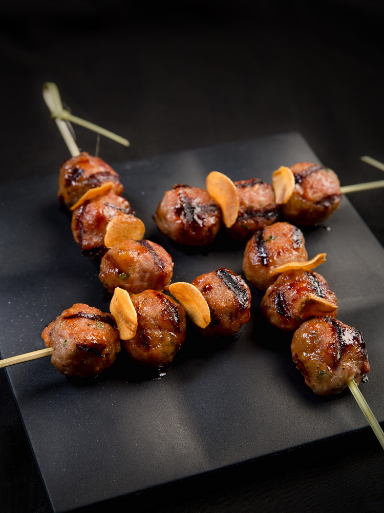 NDN_ChillSky Bar_HappyHour_Xien Thit Heo Nuong_Pork Meatballs_resize
