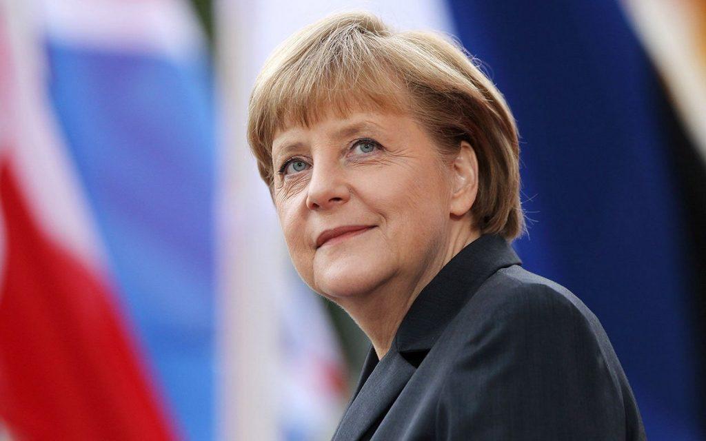 NDN_Nhung bong hoa thep truyen cam hung cho phai dep_Angela Merkel