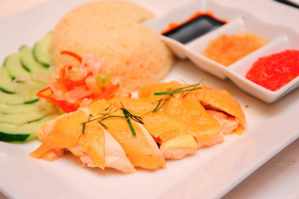 NDN_Dia diem thuong thuc am thuc khong the bo qua cua mua he nay_Cafe Central Nguyen Hue - Hainan Chicken_resize