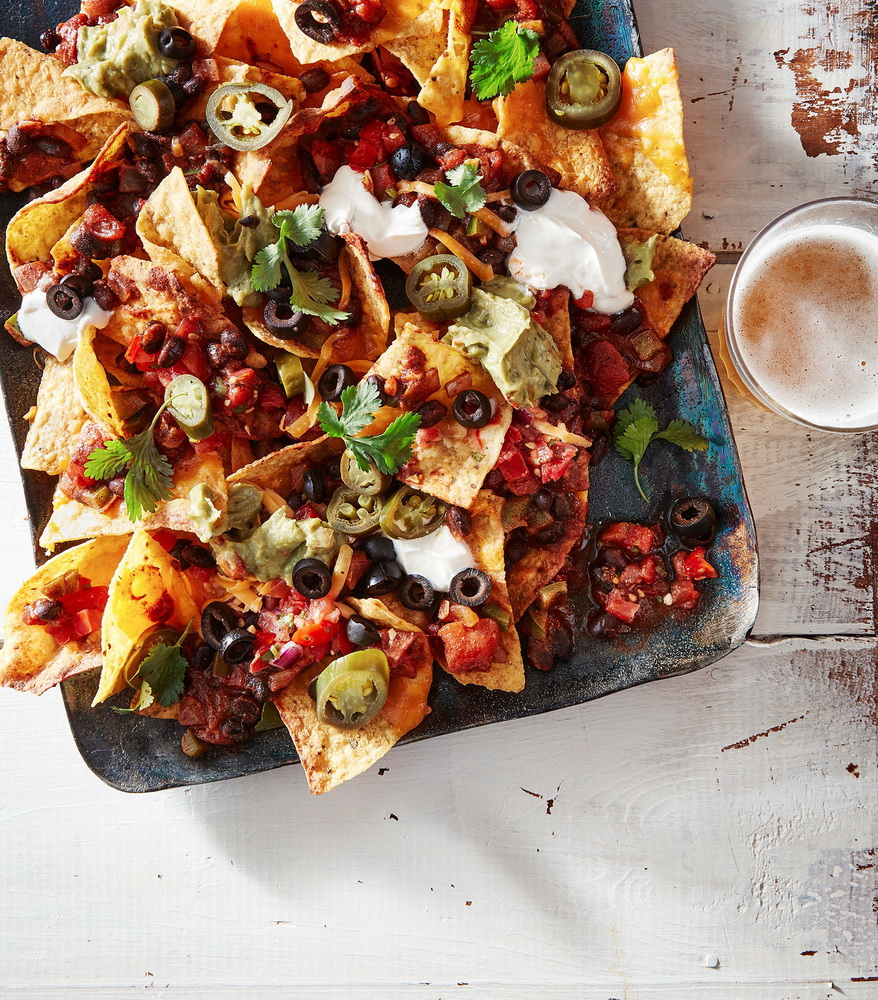 Photographer Jennifer Causey, Food Stylist Torie Cox, Prop Stylist Heather Chadduck Hillegas People Food Superbowl: Black Bean Chili nachos Photographer