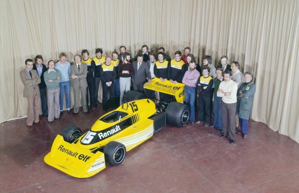 NDN_Renault ky niem 40 nam tham gia giai dua CT1_1