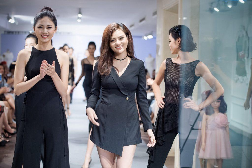 NDN_Vu Thu Phuong chieu dai khan gia bua tiec Den Trang_Ngo Thanh Thanh Tu mo man va ket show (1)_resize