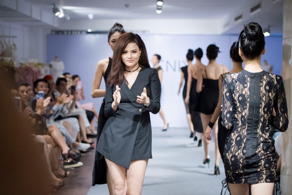 NDN_Vu Thu Phuong chieu dai khan gia bua tiec Den Trang_Ngo Thanh Thanh Tu mo man va ket show (4)_resize